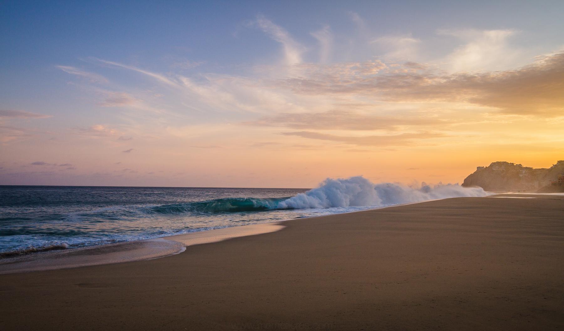 Atardecer en Playa de Cabo San Lucas, BCS, México.